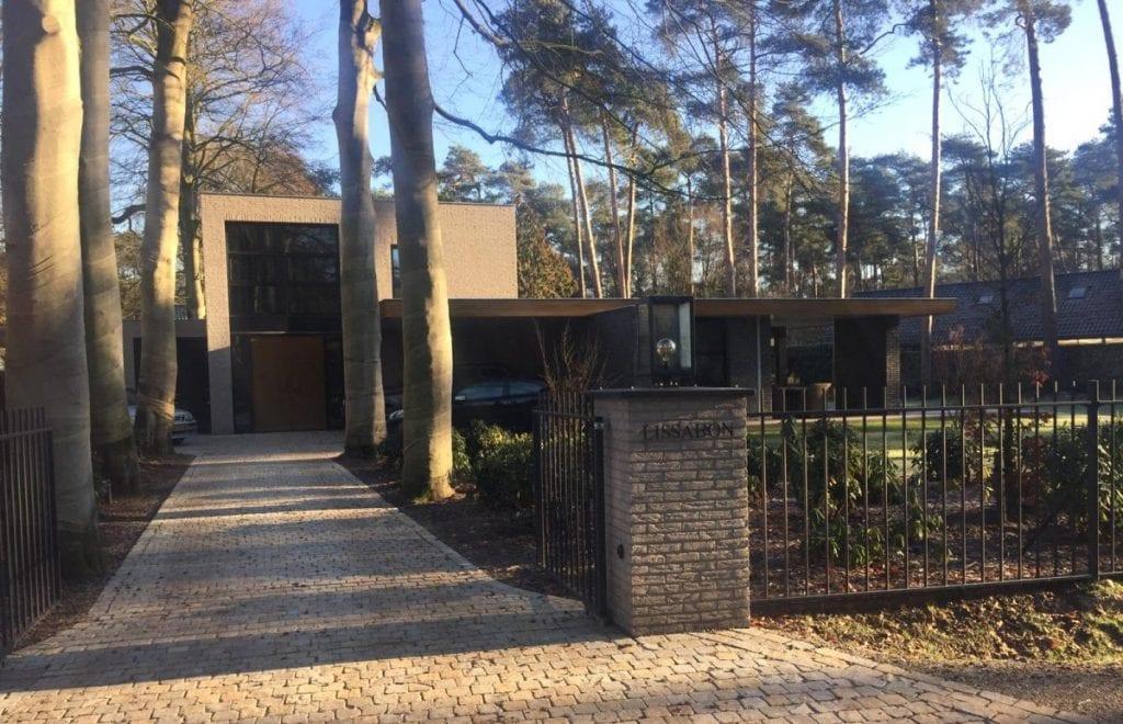 Beukenlaan bij villatuin te Oisterwijk